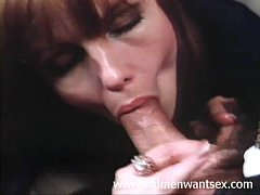 Clip sex This old man gets a blowjob in an airplane