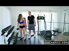Clip sex MILF gym workout on the big dick of her personal trainer