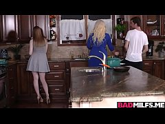 Clip sex Hot boyfriend fucked Dolly and Alura in the kitchen