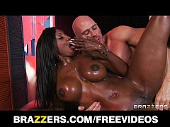 Curvy Ebony masseuse oils herself up for some d...