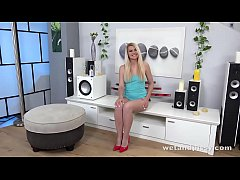 Wetandpissy - Diving In Her Piss - Wetting Her ...