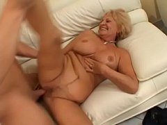Blonde mature babe Katalin knows how to please ...