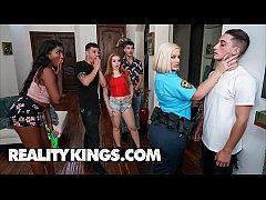 Curvy Officer (Julie Cash) Gets Naughty With Ch...