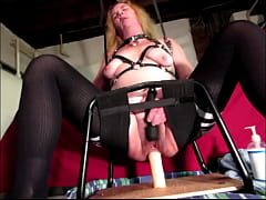 Wife takes a ride on a big cock up her ass