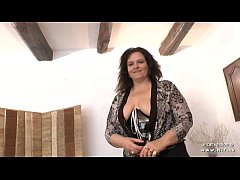 Casting couch of an amateur BBW french mom hard...