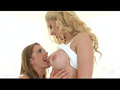 Natural beauties Melanie Gold and Dominica Fox from Sapphic Erotica lesbian love