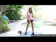 Clip sex AdultMemberZone - Brooklyn just loves a self-given poolside orgasm