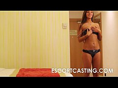 Teen Escort Secretly Filmed Fucking Client In H...