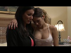 Vanessa Veracruz loves mature woman feat. Reagan Foxx
