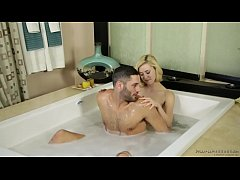 Haley Reed gives soapy...