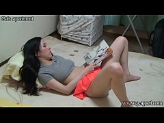 Natural-tits Japanese Girl Open Leg Masturbation