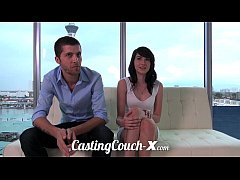 Clip sex Casting Couch-X High school sweethearts start in porn
