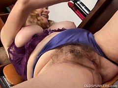 Clip sex Super cute chubby old spunker loves to fuck her fat juicy pussy 4 U
