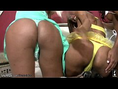 Black shemales in cock sucking and ass fucking ...