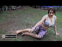 Paki Plump Busty Actress AFREEN KHAN wet hot bo...