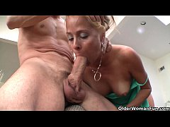 Squirting milf Payton Leigh drains hard cock