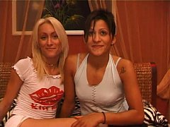 lesbo couple love pussy