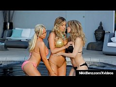 Nikki Benz Angela Sommers & Samantha Saint Do 3Way