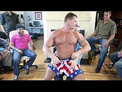 GAYWIRE - Muscle Hunk Male Stripper Slings His ...