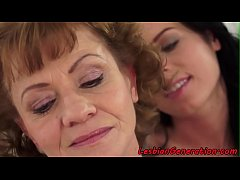 Beauty enjoys facesitting on lez granny