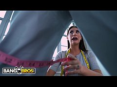 BANGBROS - Gorgeous Babe August Ames Loses Her Mind When She Sees Jay's Big Black Cock