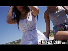 Mofos - Stranded Teens - Ally and Angie - Finger-banged Squirter