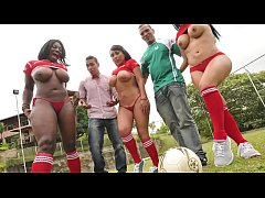 CULIONEROS - Three Curvy Latin Babes With Incre...