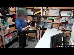 Fake pregnant shoplifting girl suspected and banged by security