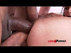 Sophia Laure enjoys her first Airtight TP