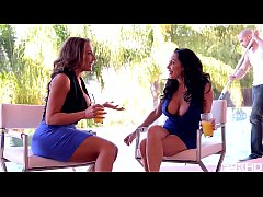 Busty Milfs Dayton Raines & Richelle Ryan in Su...
