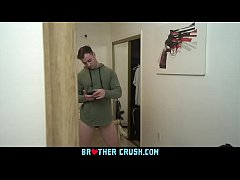 Clip sex BrotherCrush - Curious Boy Gets His Asshole Punished After Getting Caught Playing With A Gun