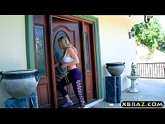Stepmom Brandi Love helps...