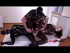 Kinky golden shower & sex toy threesome with leggy Latex Lucy & Lucia Love GP567
