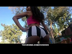 Clip sex Thickumz - SlimThick Ebony Gets Dirty While At MIniGolf