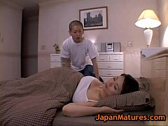 Clip sex Miki Sato and young boy - sleeping (part 2 of 9)