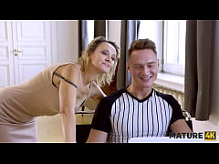 MATURE4K. Mature woman of easy virtue is penetrated by so-called IT guy