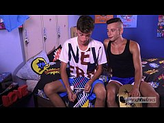 Clip sex Horny skaters Twinks