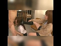 Clip sex Japanese schoolgirl forced to suck