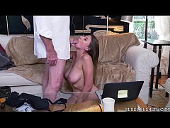 Ivy Rose impresses with...