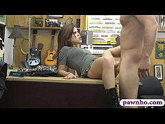 Amateur babe gets nailed at the pawnshop