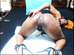 nasty bitch ass fucking herself & squirting