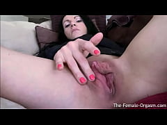 Hot MILF With Big Pussy Lips Rubs Her Enormous ...