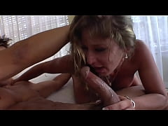 Clip sex American MIlf and his toyboy