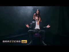 Clip sex Rough chair fuck with hot busty brunette (Madison Ivy) - Brazzers