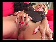 Yanks Blonde Shelly Cums