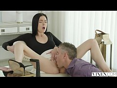 Clip sex VIXEN Marley Brinx Cheats With Boss Huge Cock
