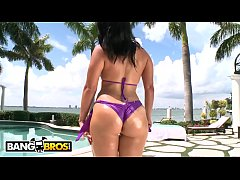 BANGBROS - Curvy Babe Miss Raquel Taking Anal O...