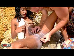 Clip sex b. food sex party at the beach with Noemilk