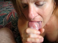 Milf gives great blow job