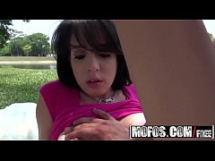 Latina Sex Tapes - (Allison Banks) - A Lesson In Photosynthesex - MOFOS